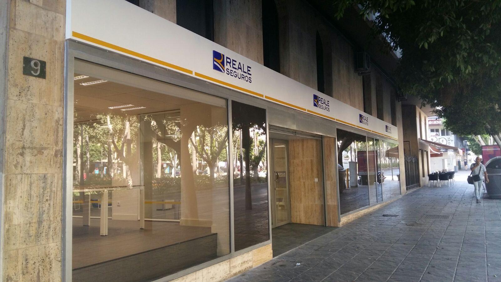 Reale seguros abre sus nuevas oficinas en almeria en for Oficinas unicaja almeria
